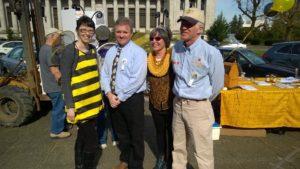 4 members of the WA Honey Bee Work Group